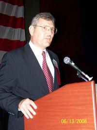 Bob_Skiver_nominates_Randall